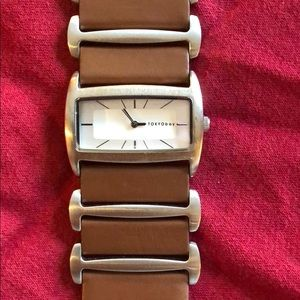 Tokyo Bay Womens Leather Watch